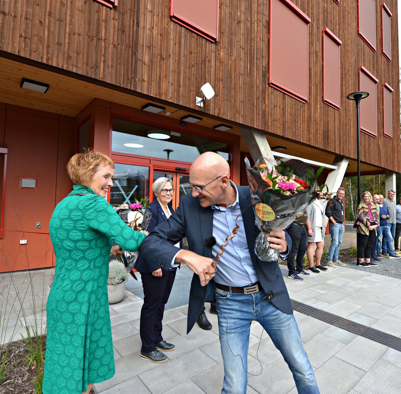 Besøk Edvardsløkka omsorgssenter i Kongsberg – bygd i massivtre og de første omsorgsboligene bygget som plusshus i Norge.